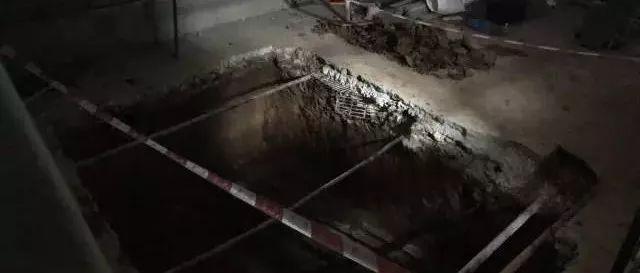 廣州一居民樓加裝電梯意外發現漢代古墓,還有胡人俑現身