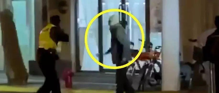 刚刚,上海警察果断开枪!